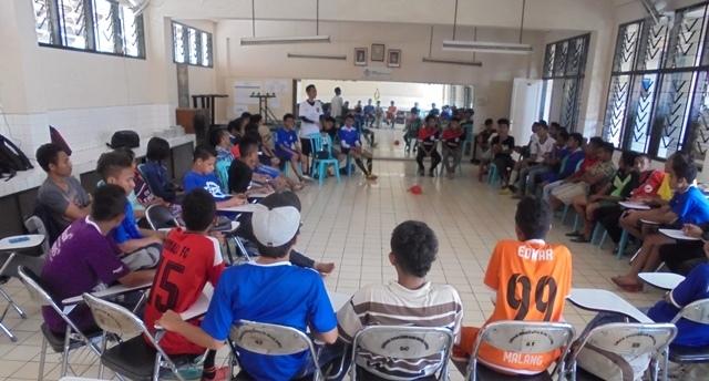 Pertemuan antara IKABE dan IM3 di Gedung Aula SMAK   Frateran Malang