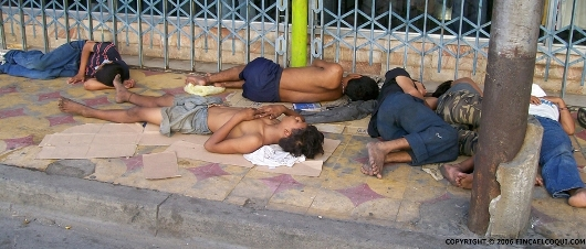street-children-and-teens-sleeping-honduras5