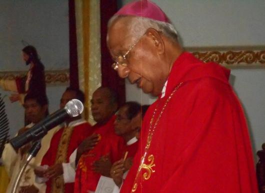 uskup-pada-misa-kaul-asp