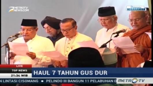 Tokoh-tokoh agama termasuk Ketua KWI Mgr Suharyo saat membacakan Ikrar Ciganjur pada peringatan Haul Gus Dur ke-7. Foto Metrotvnews.com