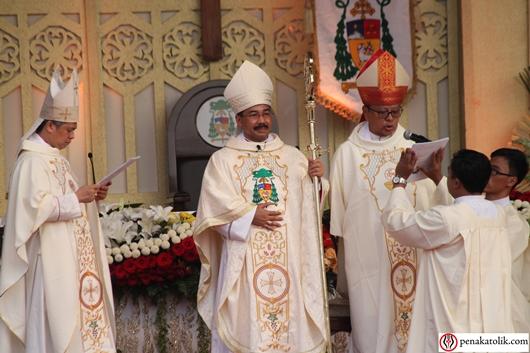 KAS kini punya Uskup baru yang akan memimpin dan mempersatukan umat pada Kristus, memperhatikan keselamatan, serta hidup bersatu sehati sejiwa dalam suka dan duka dengan umat, foto PCP/PEN@Katolik