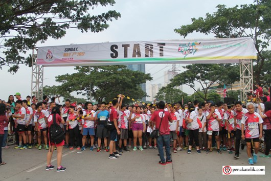 Peserta Joyful Run 2017 bersiap untuk berlari