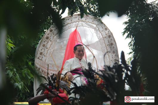 Mgr Rolly di Pineleng (1)