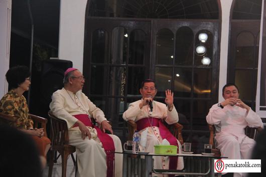 Mgr Rolly di Pineleng (14)