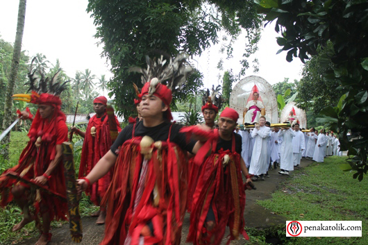Mgr Rolly di Pineleng (20)