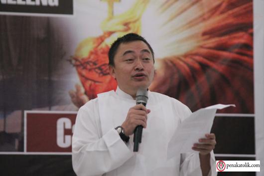 Mgr Rolly di Pineleng (21)