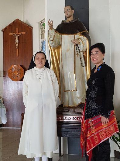 Suster Tresia OP dengan Ibu Pembimbing Rohaninya