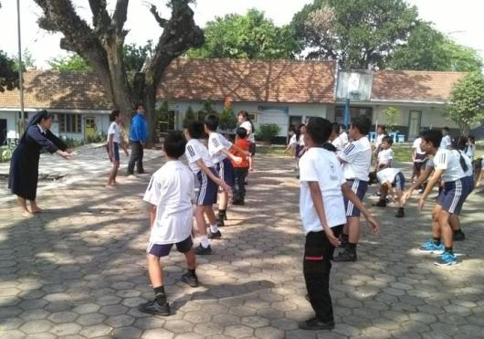 Murid-murid SDK Santo Fransiskus Lawang, sedang latihan THS-THM (1)