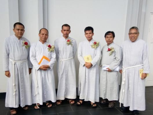 Dari kiri ke kanan: Bruder Yohanes Bosco MTB, Bruder Bonaventura MTB, Bruder Alfonsus MTB, Bruder Anselmus MTB, Bruder Filipus MTB dan Bruder Gabriel MTB (Provinsial MTB)  Foto Suster Maria Seba SFIC
