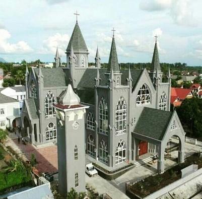 Katedral Sintang1