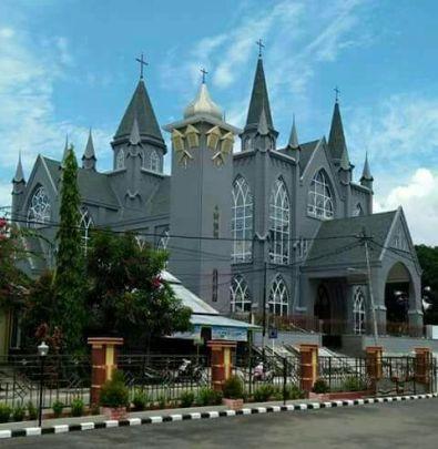 Katedral Sintang3