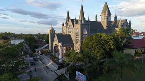 Katedral Sintang7