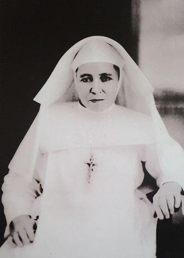 Suster Ursula Bongers SFIC tertular penyakit kusta di tahun 1939 dan tinggal sendiri di antara orang kusta