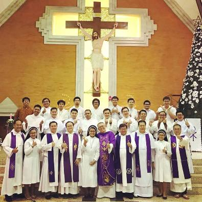 Dominikan Pontianak dan Surabaya