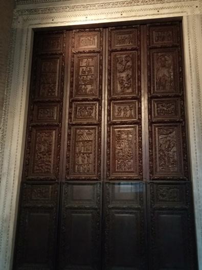 Pintu tentang Injil di Basilika Santa Sabina