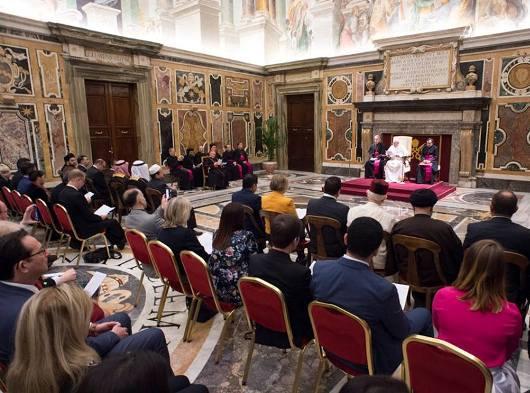 Paus dengan peserta Konferensi Mengatasi kekerasan yang dilakukan atas nama agama5