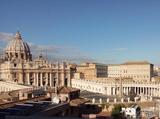 Basilika Santo Petrus, Lapangan Santo Petrus, dan Istana Apostolik. PEN@ Katolik/pcp