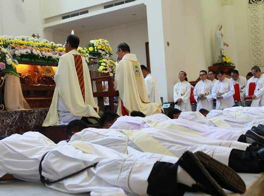 Tahbisan 9 Imam MSC di Manado3