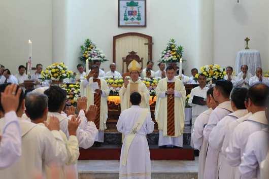 Tahbisan 9 Imam MSC di Manado4