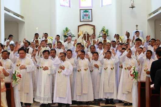 Tahbisan 9 Imam MSC di Manado6
