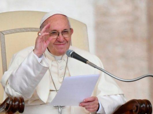 Paus Fransiskus dalam Audiensi Umum di Lapangan Santo Petrus  (AFP or licensors)