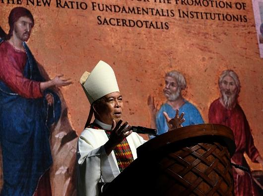 Uskup Agung Davao Mgr Romulo Valles, Ketua Konferensi Waligereja Filipina/CBCPNews
