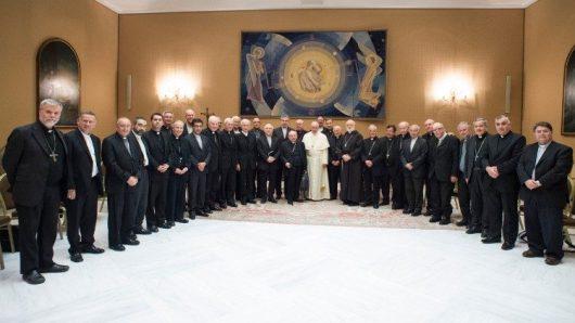 Paus Fransiskus bersama para uskup Chili dalam kunjungan mereka ke Roma, Mei 2018/Vatican News