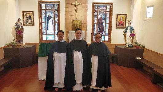 Dari kiri ke kanan: Frater Lukas Sabdaningrat OP, Frater Johnny Luntungan OP,  Frater Robertus Adi Nugroho OP/Ist