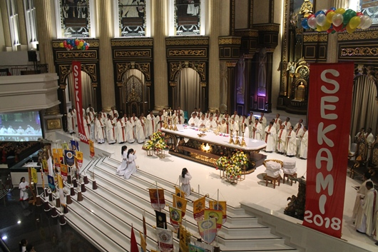 Misa Pembukaan Jamnas Sekami 2018 dengan 6 uskup dan 85 imam/PEN@ Katolik/pcp