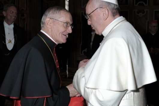 Kardinal Tauran bersama Paus Fransiskus