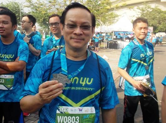 Moderator PUKAT KAJ Pastor Stefanus Roy Djakarya Pr ikut serta dalam Run4U. Foto: krm
