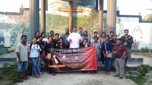 Foto bersama OMK, Pemuda Katolik dan PMKRI dalam Ziarah  ke Makam Misionaris/ym