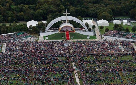 Pemandangan dari udara di Phoenix Park,  Dublin, saat Paus  Fransiskus memimpin Misa Penutupan Pertemuan Keluarga se-Dunia sebagai bagian dari kunjungannya ke  Irlandia. PRESS ASSOCIATION Photo. August 26, 2018. Foto Liam McBurney/PA Wire