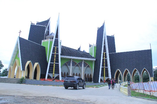 Katedral Sanggau2