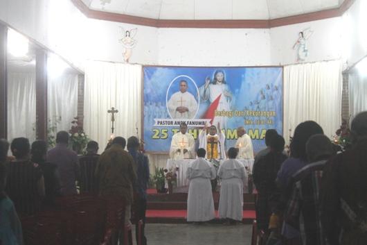 Misa Syukur Pesta Perak Pastor Andreas Fanumbi, Pr bersama keluarga Tanimbar di Vertenten Sai, Sabtu (15-9) (1)
