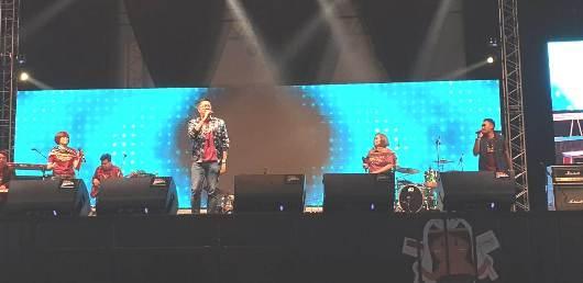 Suasana panggung. Foto Jansi Kuntag