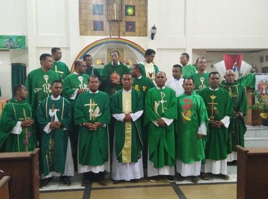 Foto bersama para rektor seminari menengah Regio MAMPU. Foto PEN@ Katolik/YM