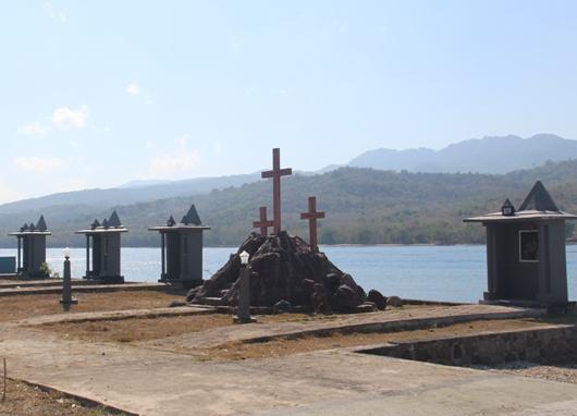 Taman Doa Tuan Meninu di pinggir laut yang menjadi tempat prosesi laut membawa patung Tuan Meninu. PEN@ Katolik/pcp