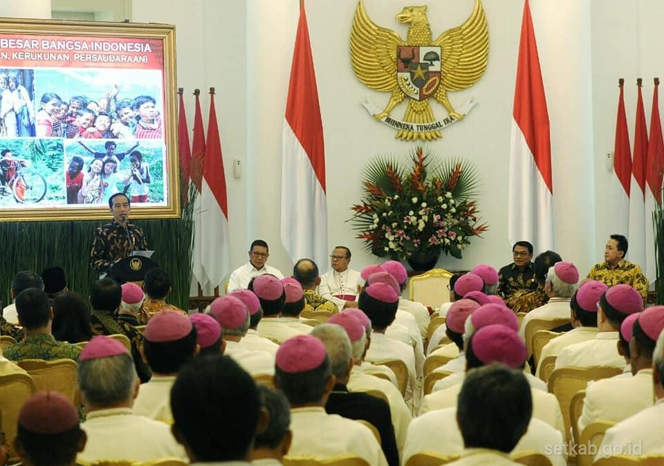 Para uskup dan Jokowi3