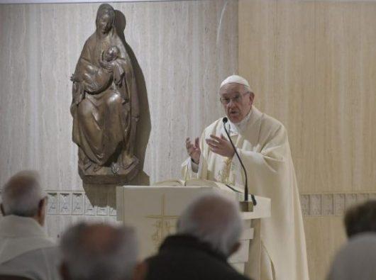 Paus Fransiskus dalam Misa Pagi di Casa Santa Marta di Vatikan. (Vatican Media)