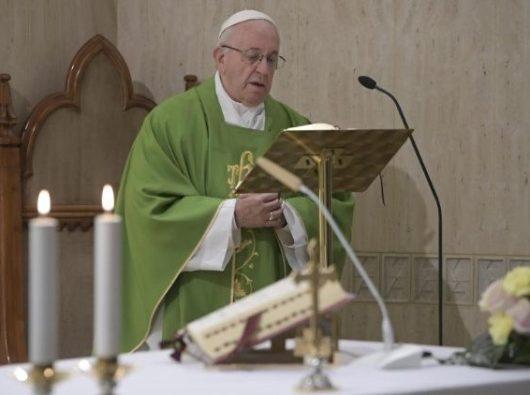 Paus Fransiskus  pada Misa harian di  Casa Santa Marta  (Vatican Media)