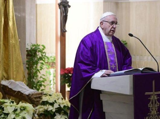 Paus Fransiskus menyampaikan homili dalam Misa di Casa Santa Marta  (Vatican Media)