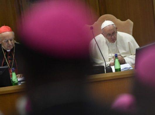 Paus Fransiskus pada  Sinode Para Uskup  (Vatican Media)