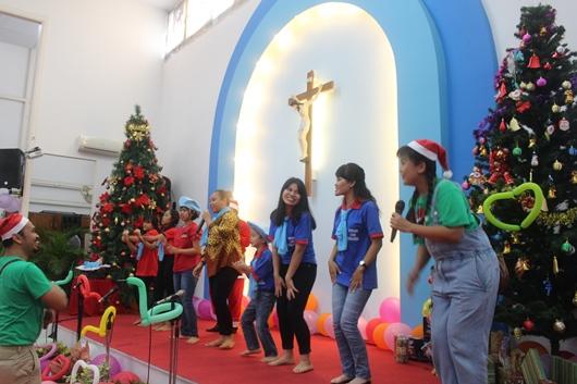 Bernyanyi dan berjoget bersama(PEN@ Katolik/pcp)