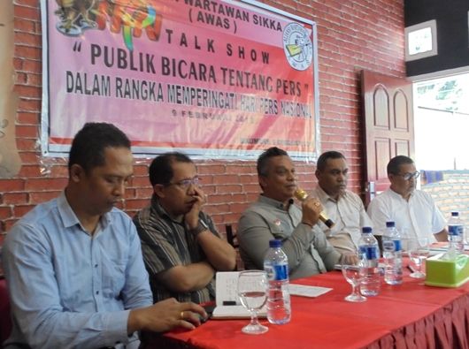 Pastor Eman Embu SVD (kedua dari kiri). PEN@ Katolik/yf