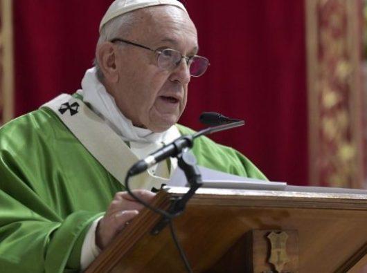 Paus Fransiskus berbicara kepada para ketua konferensi-konferensi waligereja sedunia dalam Pertemuan Perlindungan Anak-Anak di Bawah Umur. (Vatican Media)