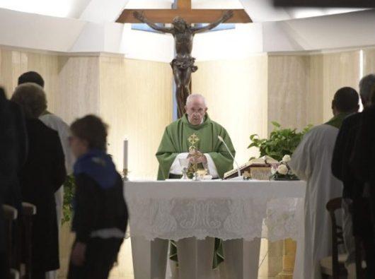 Paus Fransiskus pada Misa di Casa Santa Marta, Vatikan, 28 Febuari 2019.   (Vatican Media)