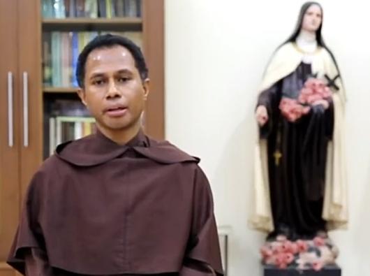 Komisariat Karmel Indonesia Timur Pastor Stefanus Buyung OCarm (Tangkapan Layar Youtube/pcp)