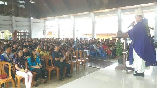 Mgr Rolly memberi homili dan motivasi bagi peserta TAPP. (PEN@ Katolik/A. Ferka)