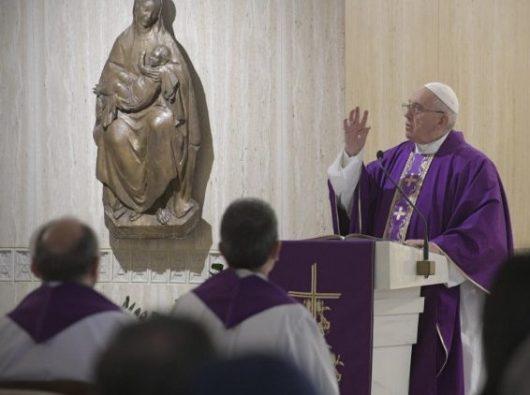 Paus dalam Misa di  Casa Santa Marta,  Vatikan, 28 Maret 2019.   (Vatican Media)